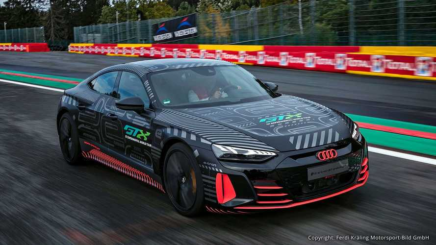 Audi RS e-tron GT Prototyp (2020) auf neuen offiziellen Bildern
