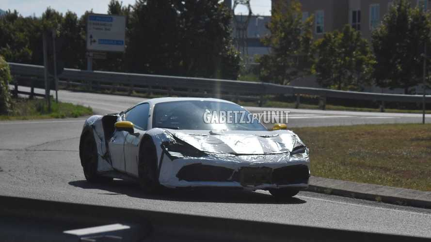 Ferrari, hibrit V6 motorunun testlerine devam ediyor