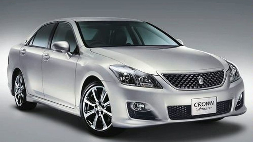 Toyota Redesigns Crown & Introduces Hybrid Model