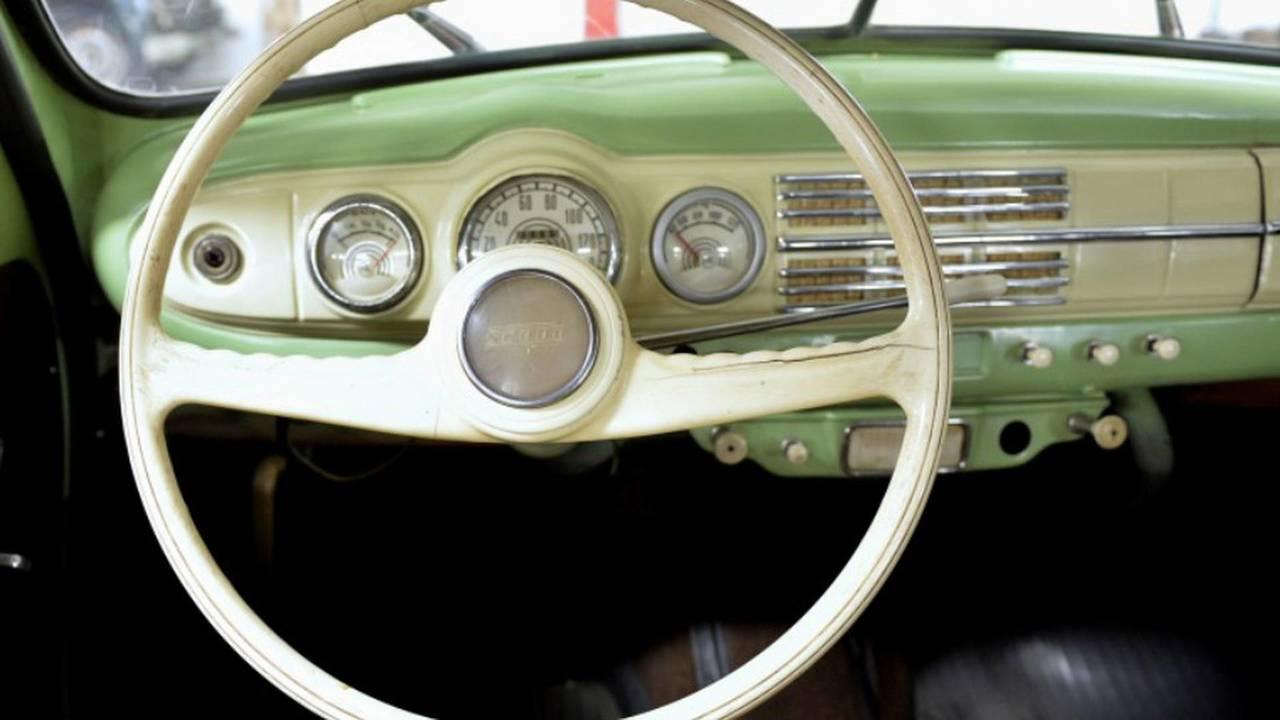 1952 Skoda 1201 Sedan steering wheel