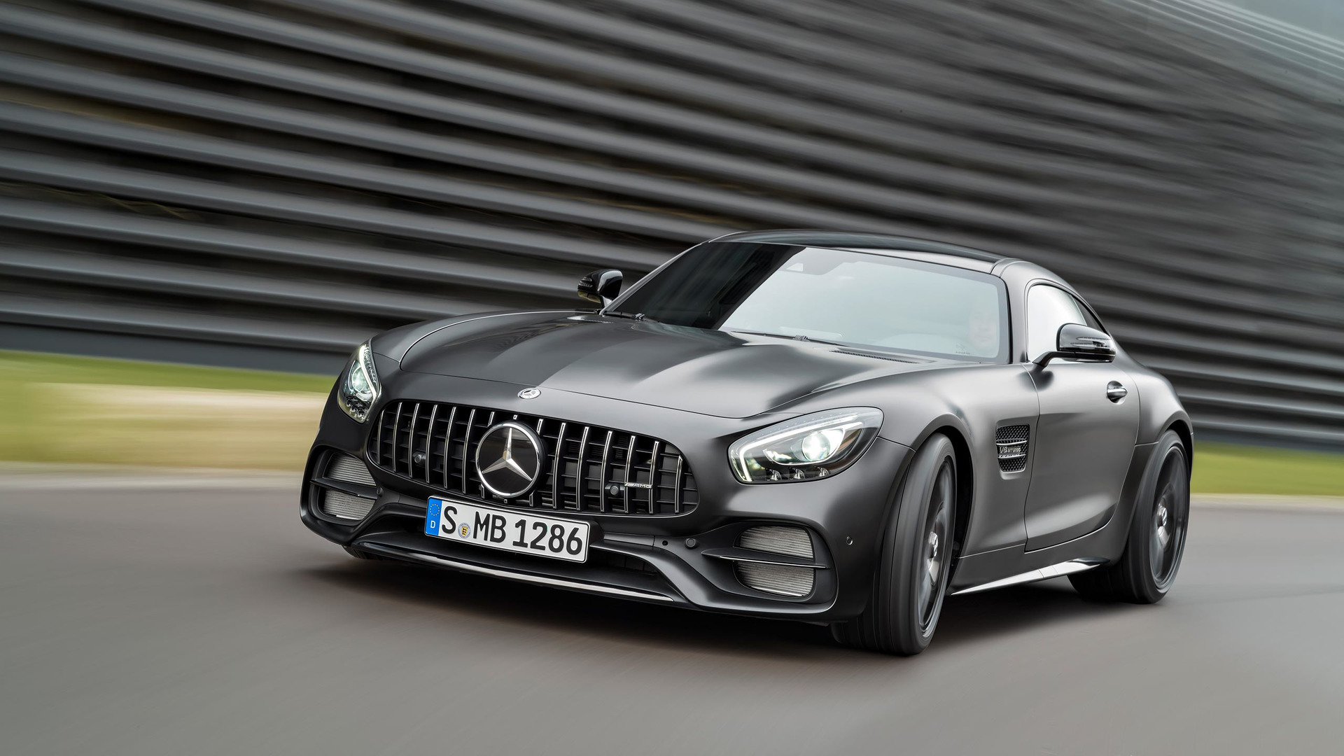 Mercedes Benz Amg Gt >> Mercedes Benz Amg Gt C News And Reviews Motor1 Com