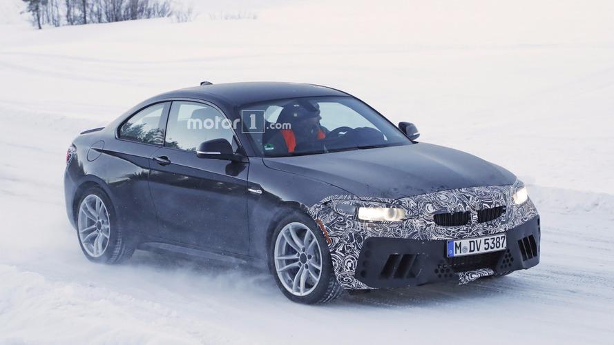 2018 BMW M2 facelift spy shot