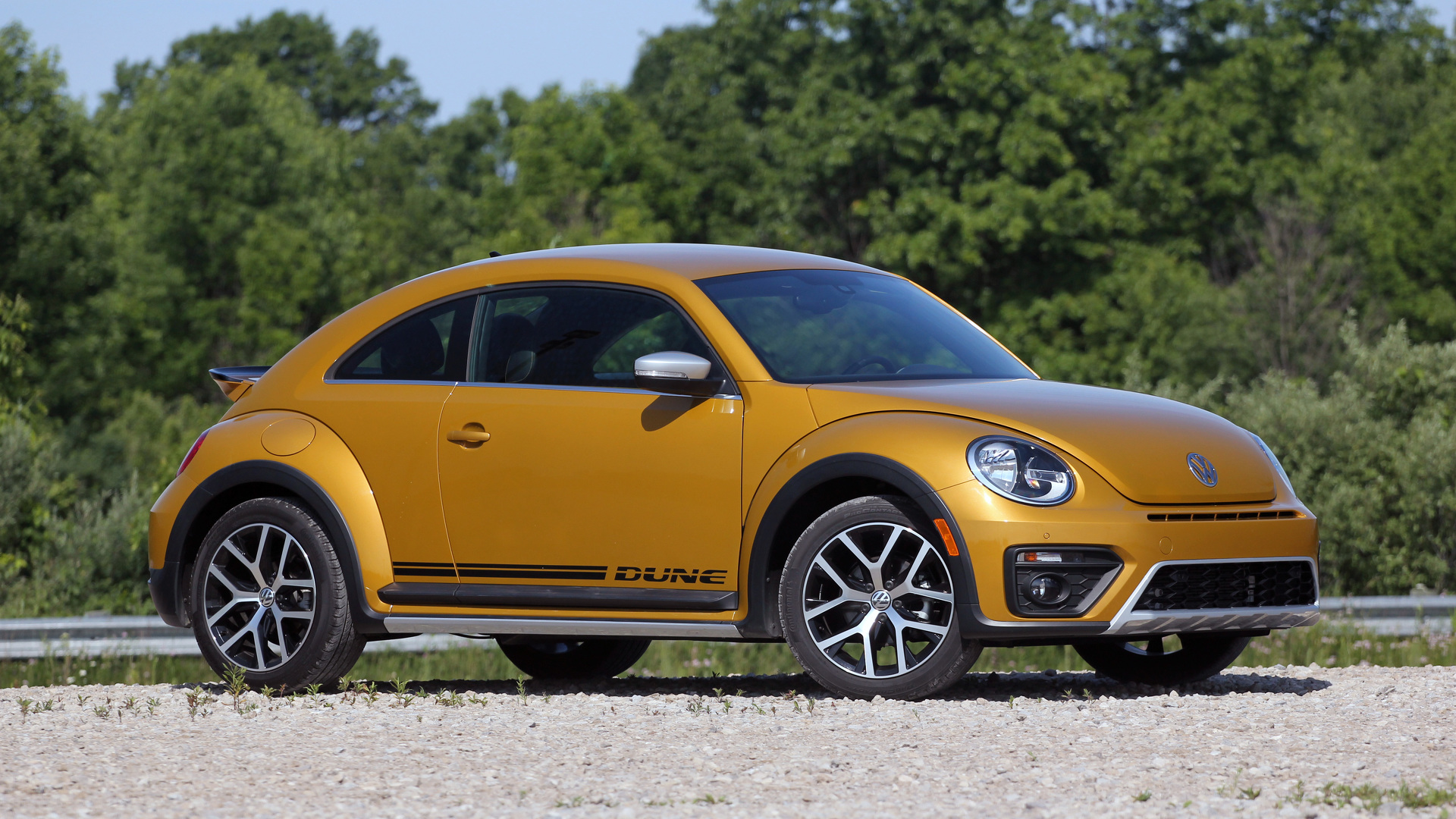 2016 Vw Beetle Dune Review A Fun Look Thats All Facade