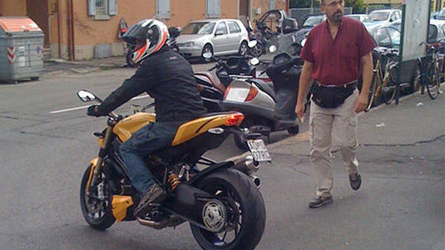 Spy Photo: Ducati Streetfighter 848