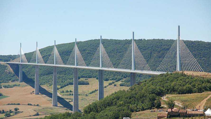 """""""Aucune situation d'urgence"""" concernant les ponts en France"""