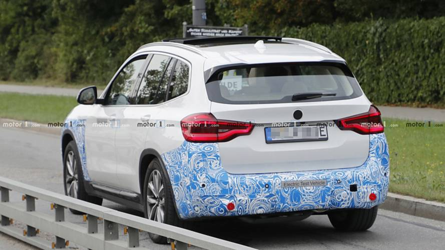 BMW iX3 kémfotók