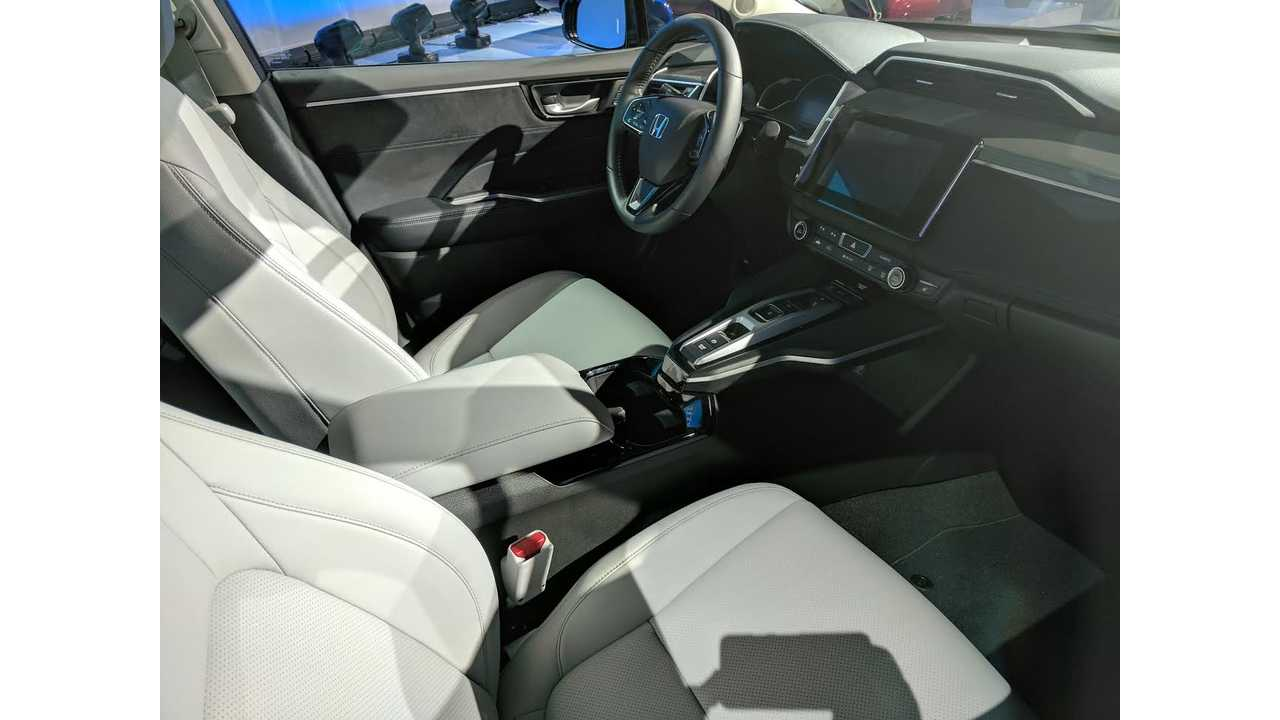 Inside the Honda Clarity Electric (InsideEVs/Tom Moloughney)
