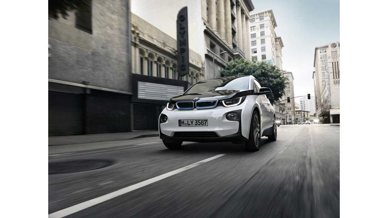 Veteran Automotive Journalist Drives BMW i3 For First Time - Says It Pulverized His Preconceptions