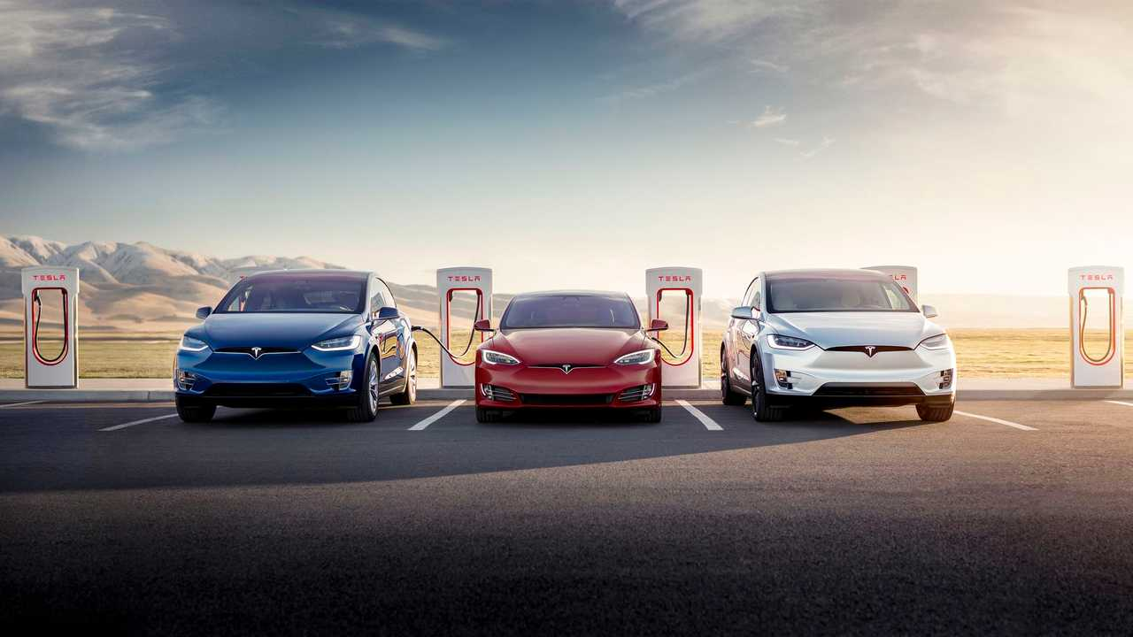 Tesla Has Record-Setting Week In Supercharger Install Count Too