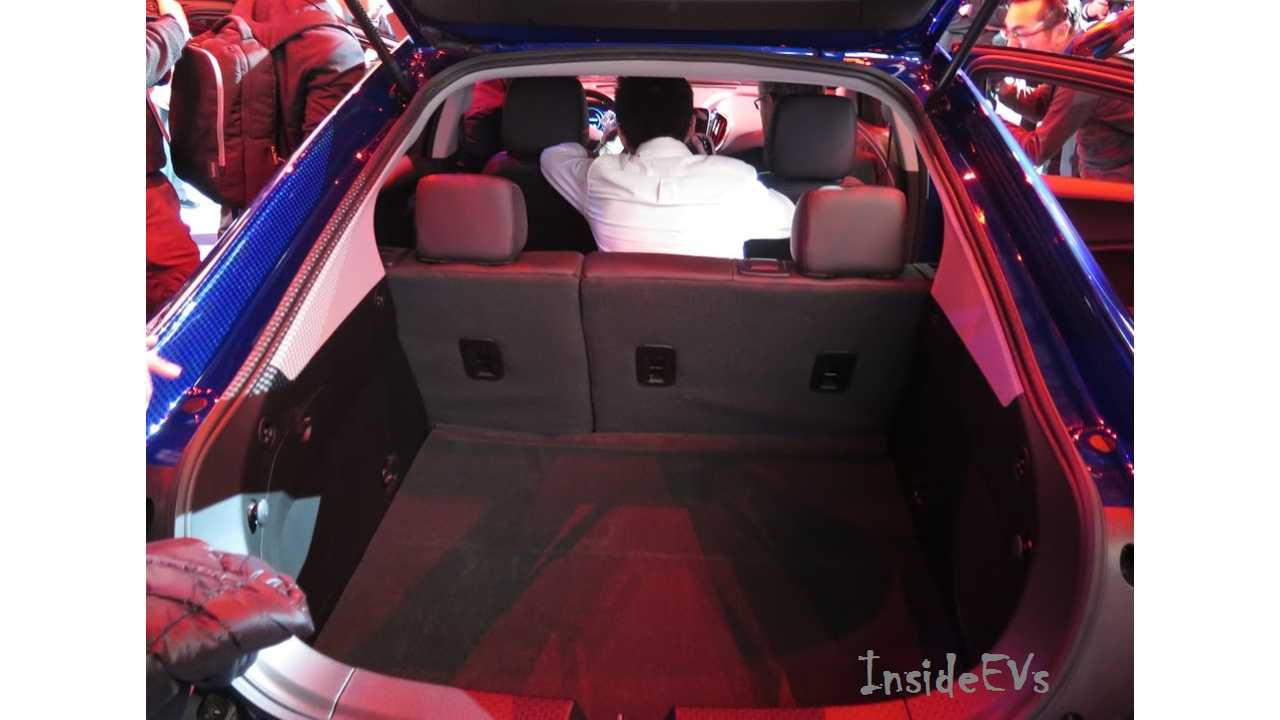 From 2016 Chevrolet Volt Launch Event, Middle Seat Occupied! - Image Credit: Tom Moloughney/InsideEVs