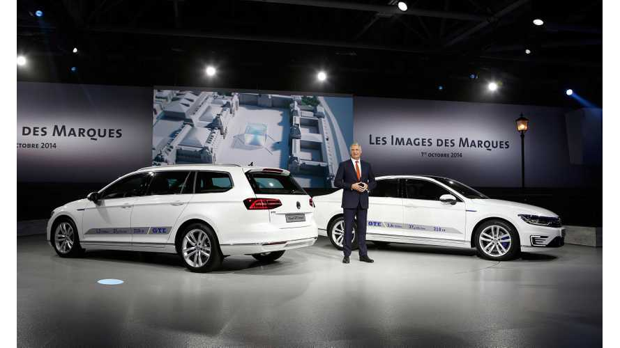 2014 Paris Motor Show: Volkswagen Passat GTE (Images + Videos)