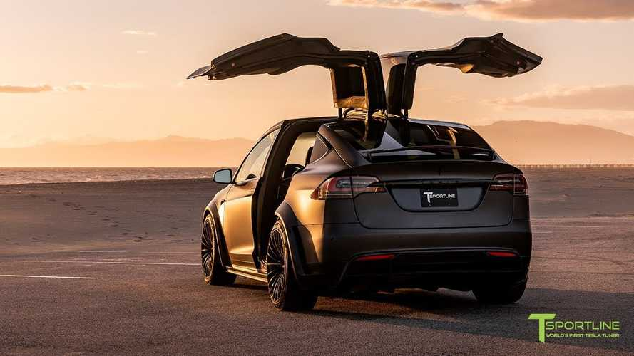 Project Stealth Rocket Tesla Model X Looks Sinister: Video