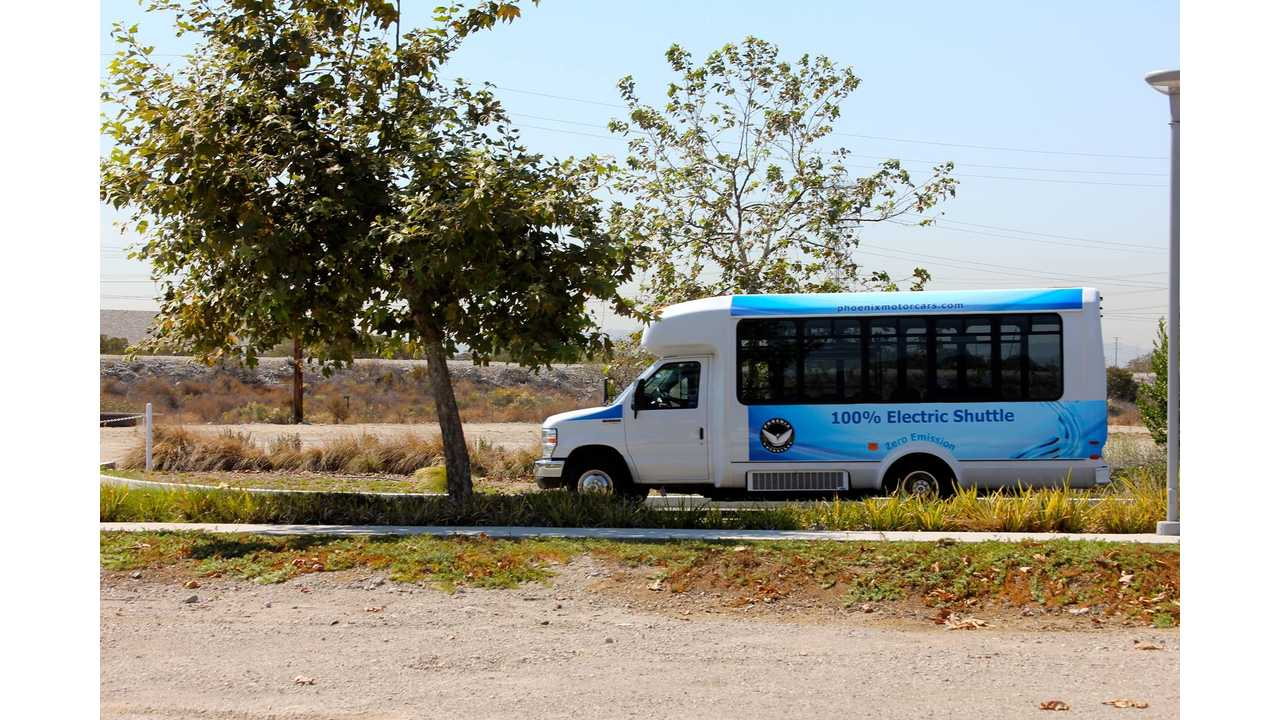 Phoenix Motorcars To Wheel Out 29 Electric Airport Shuttle Buses