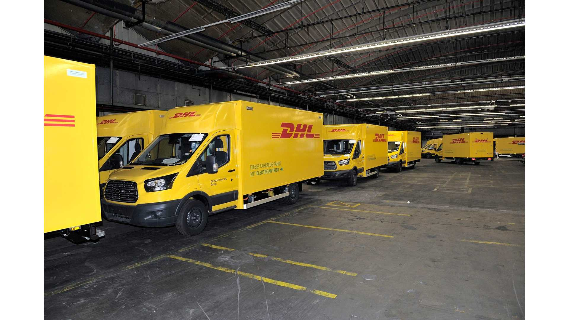 976af96f2eb711 Ford Begins Production Of DHL Electric Streetscooters