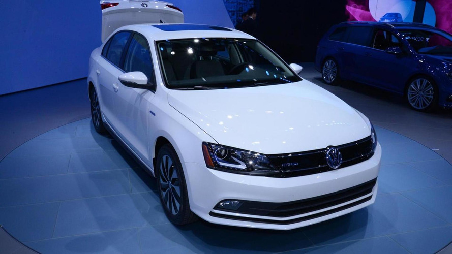 2015 Volkswagen Jetta brings its Passat-ish face to New York