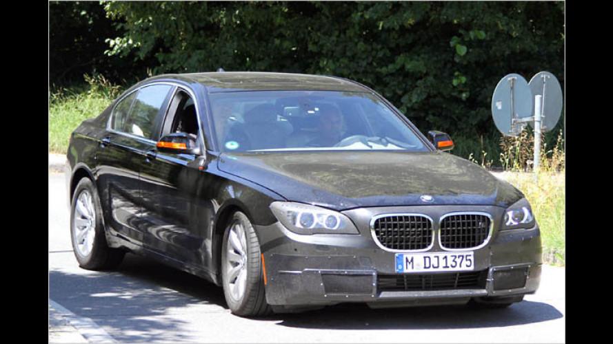 Neue Fotos: Gelifteter BMW 7er im Tarnkleid