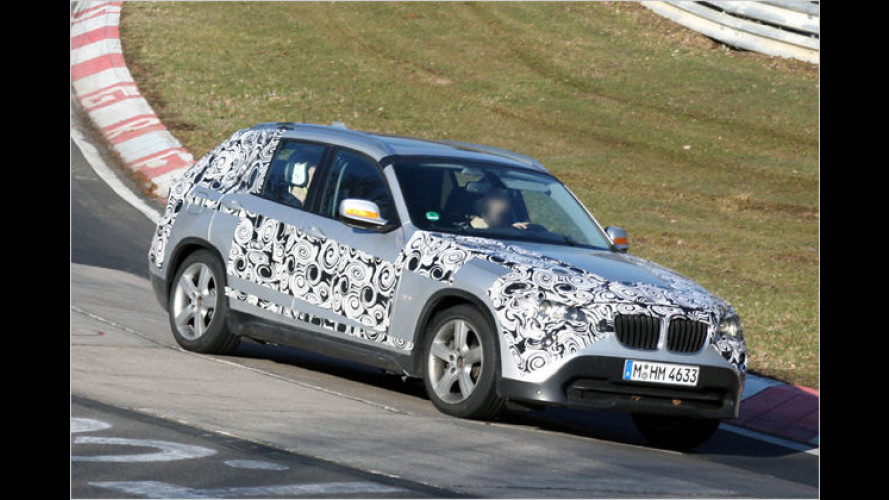 Bayerischer Striptease: Der BMW X1 lüftet seine Geheimnisse