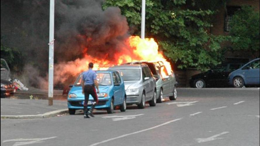 Italia in fiamme: se l'auto s'incendia
