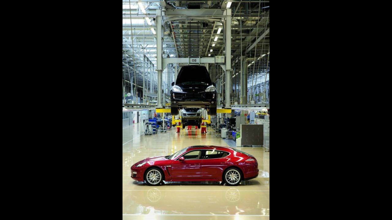 La produzione di Porsche Panamera a Lipsia