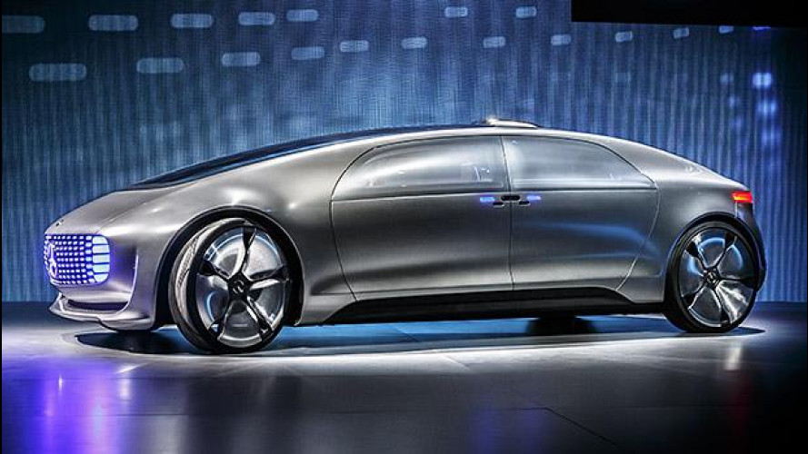 Mercedes F 015, la tecnologia al potere