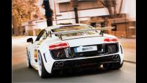 Weißer Widebody-Audi