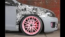 GTI mit pinken Rädern