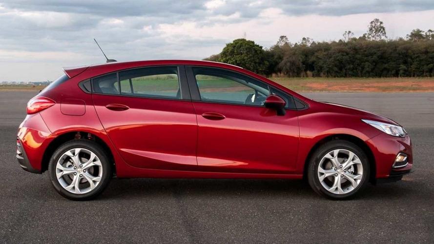 Hatches médios mais vendidos – Cruze Sport6 amplia domínio em fevereiro