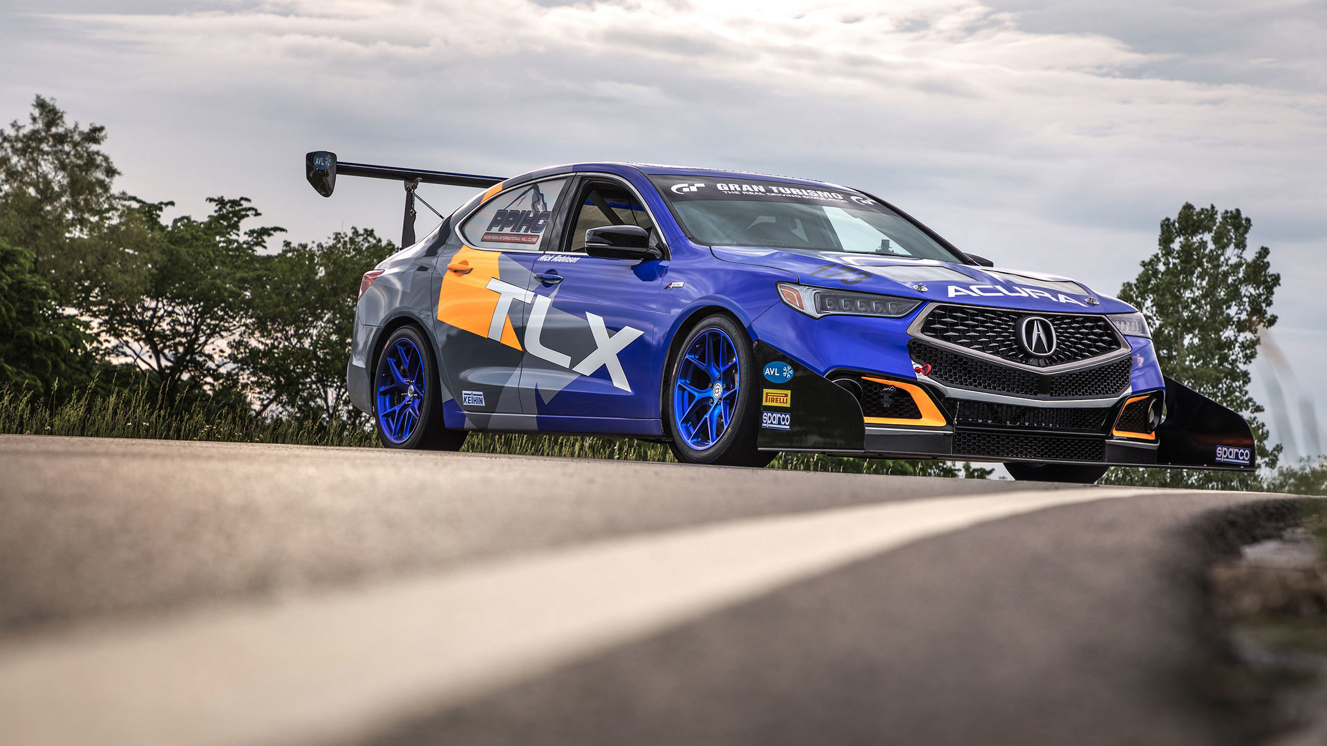 Acura Heads To Pike Peak With 350 Hp Rdx 500 Hp Tlx A Spec