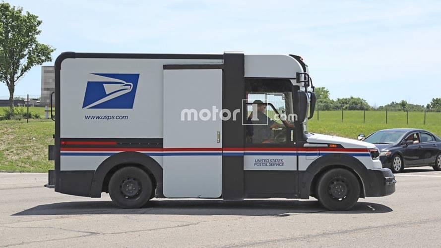 Karsan mail truck spy photo