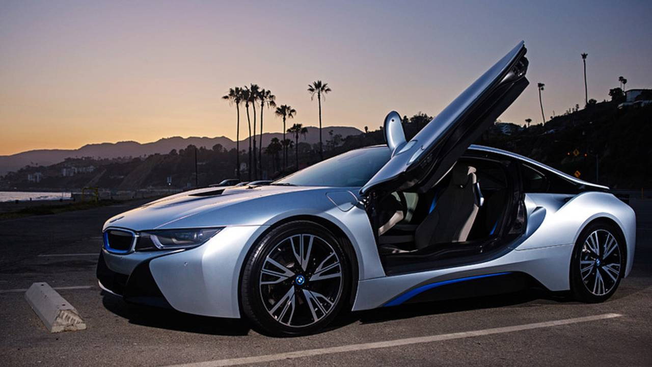 Meet the Laser Equipped Electric Car of the Future! The 2015 BMW i8 - GuzControl
