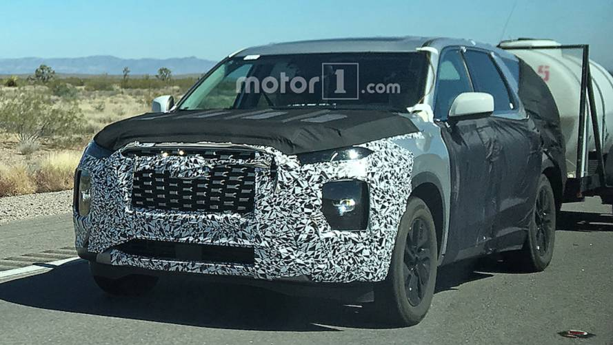 8-Seat Hyundai Palisade SUV Spied With Entire Nose Revealed