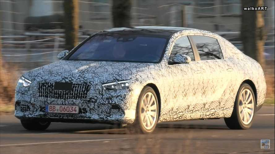 Mercedes-Maybach S-Class Caught Flaunting Its Large Size