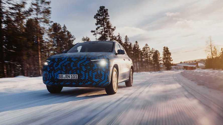 Mercedes EQA, ecco le immagini del prototipo sulla neve