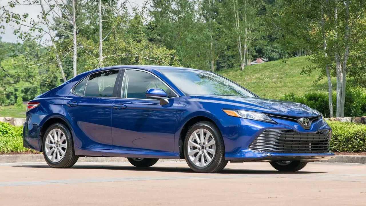 10. 2020 Toyota Camry L