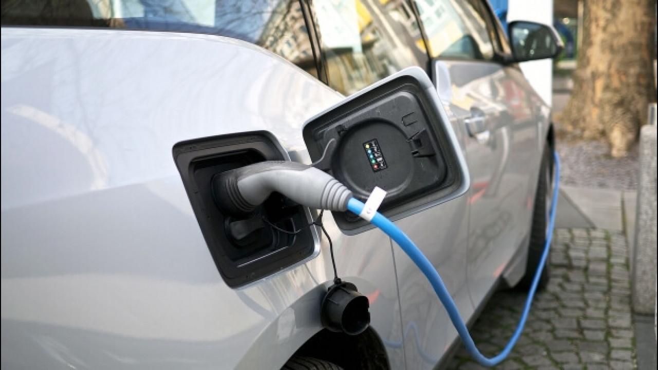 [Copertina] - Auto elettriche, quanto costano e quanti chilometri fanno