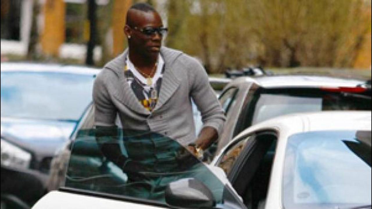 [Copertina] - Balotelli in Italia, ed è già patente sospesa a Brescia