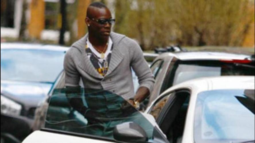 Balotelli in Italia, ed è già patente sospesa a Brescia