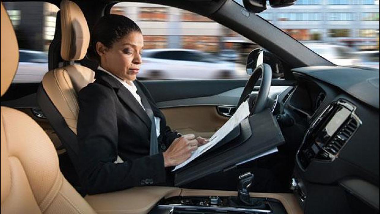 [Copertina] - Volvo e la guida autonoma, presentata l'interfaccia uomo-macchina [VIDEO]
