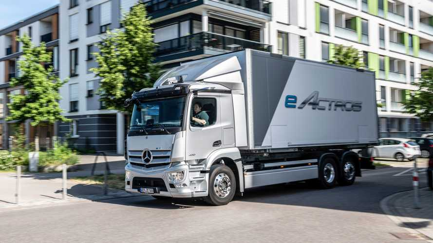 Mercedes-Benz Trucks Presents The Series-Production eActros