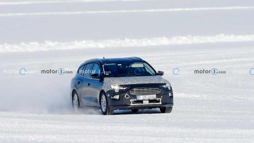 Ford Focus Active Facelift spy photos