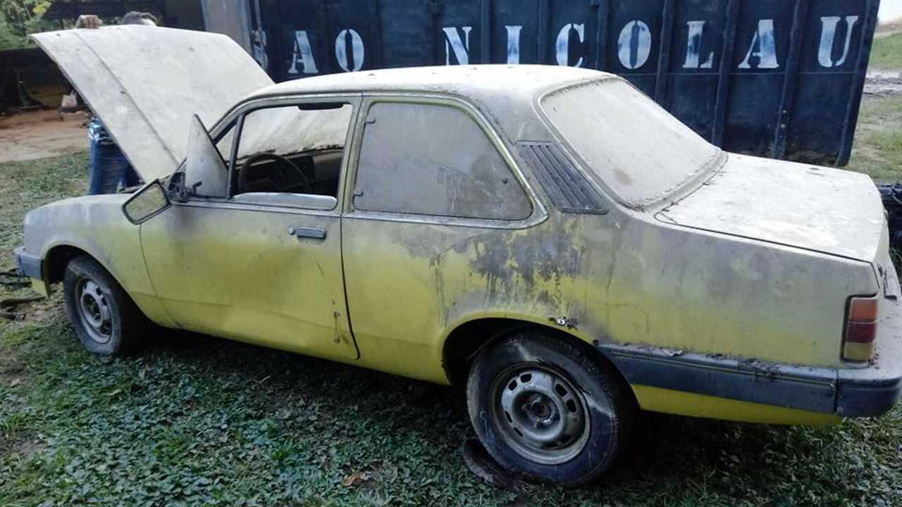 Chevrolet Chevette S que foi abandonado táxi no RJ