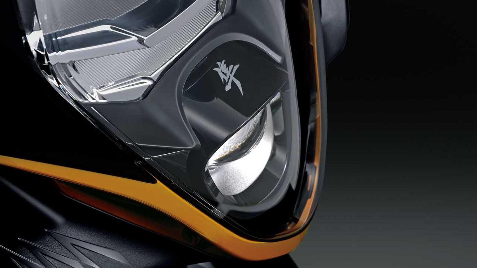 2022 Suzuki Hayabusa Headlight Detail