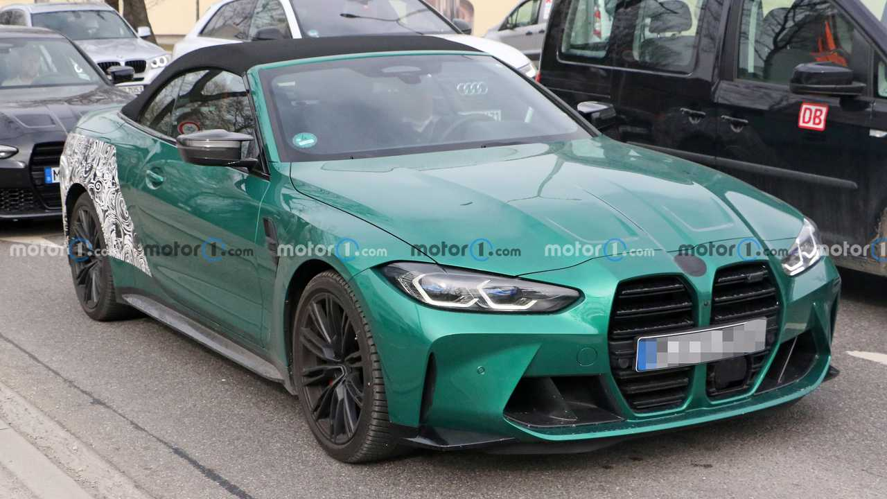 BMW M4 Convertible casus fotoğraflar