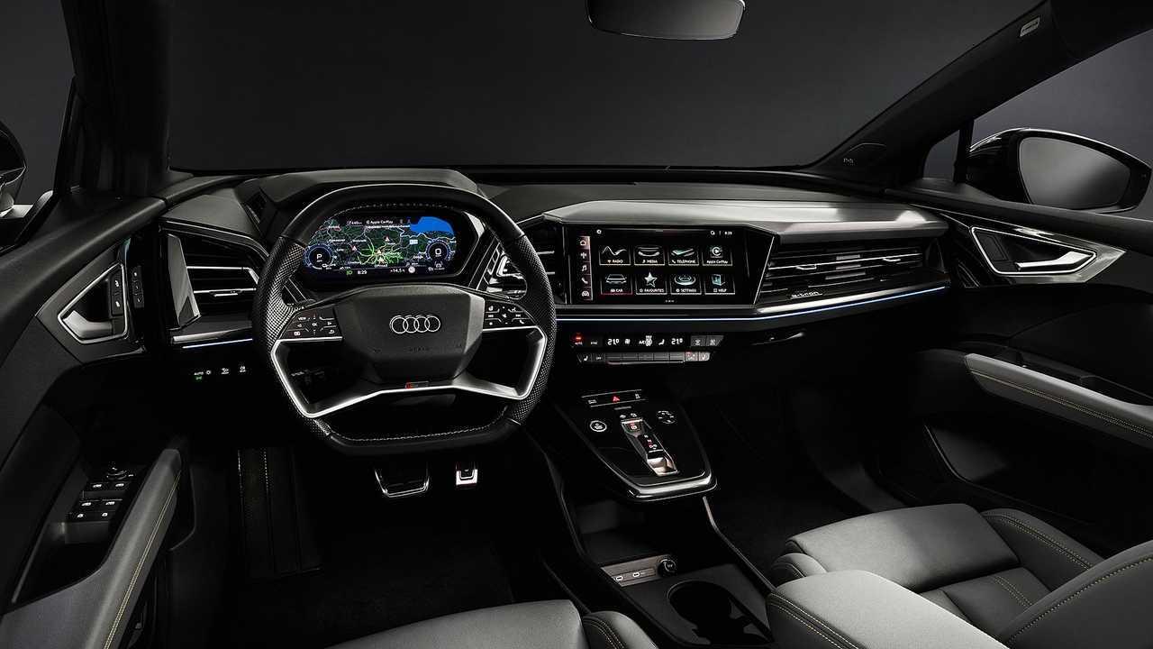 Audi Q4 e-tron 2021, prototipo camuflado