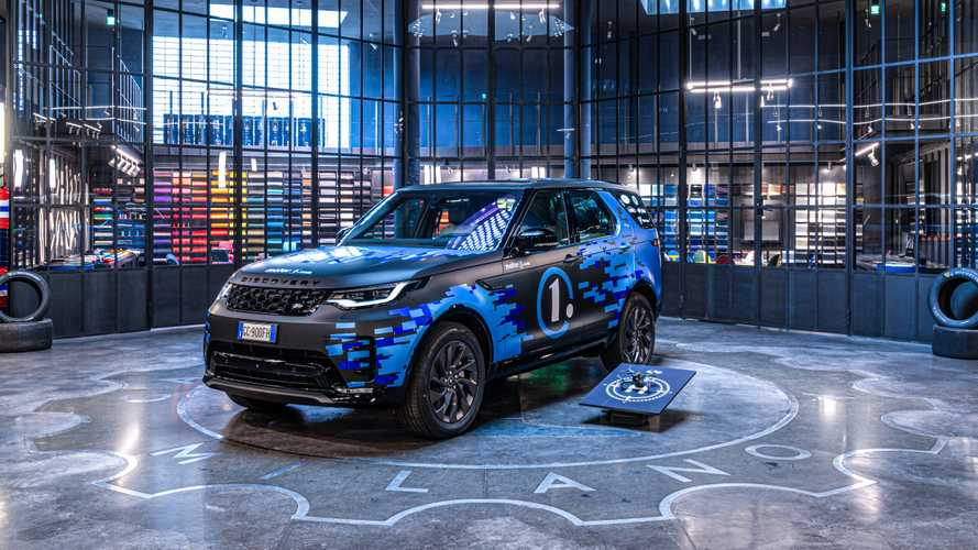 Land Rover Discovery diventa CREW CAR di Motor1.com by Garage Italia