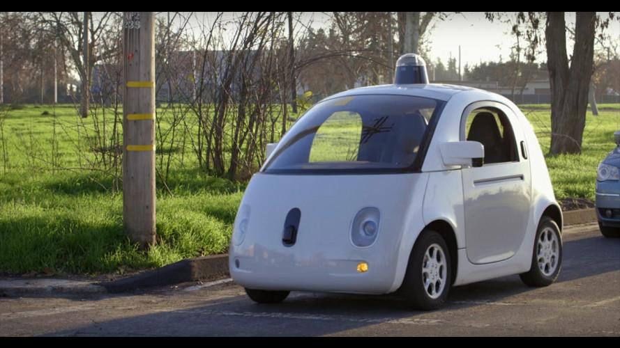 Google car: guida da sola ed è la prima auto progettata da Big G