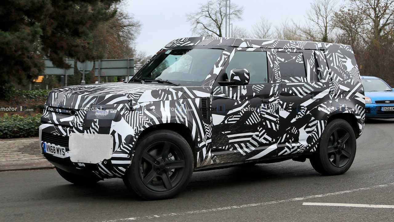 Land Rover Defender photos espion