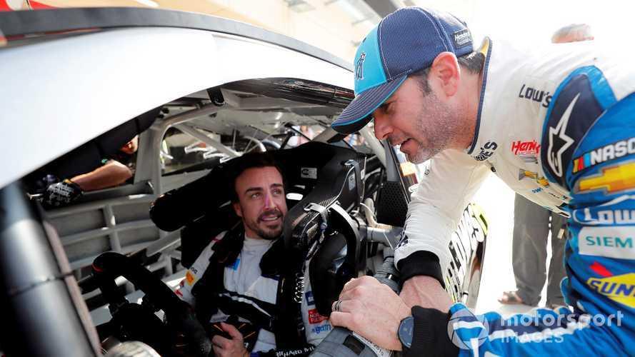 Alonso/Johnson car swap kicks off in Bahrain
