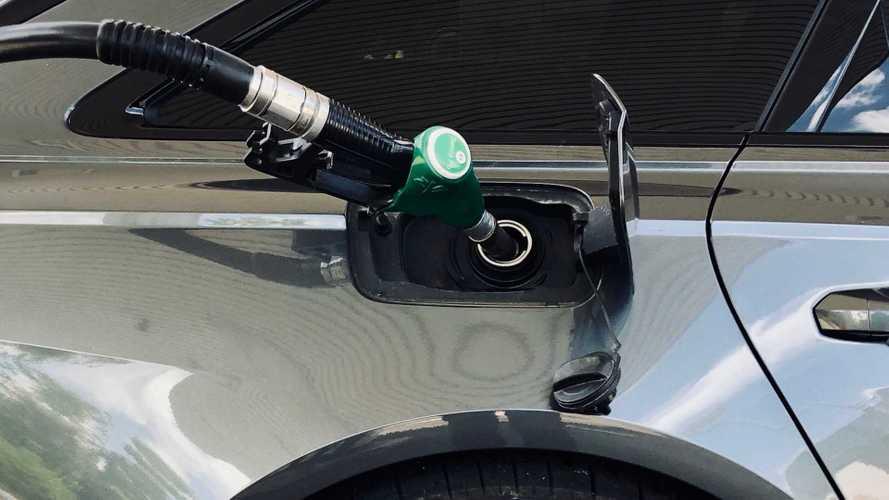 Perchè la benzina (e il gasolio) costa di più in autostrada