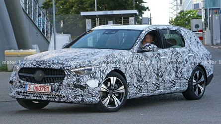 2021 Mercedes C-Class Estate spied with dual-screen interior